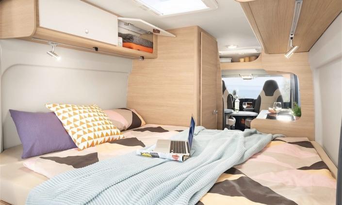 Roadcar R600 spálňa