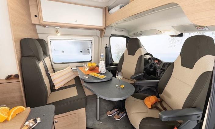 Roadcar R600 Miesto na sedenie