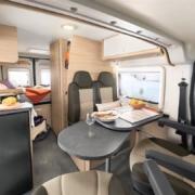 Roadcar R600 obývacia časť