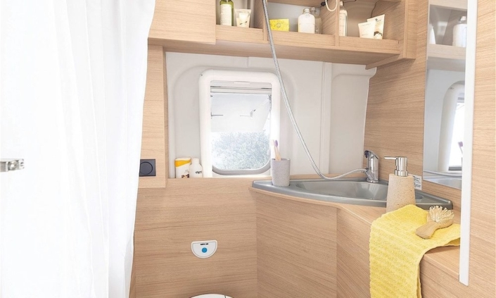 Roadcar R601 kúpeľňa 2